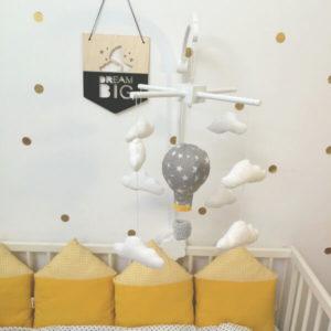 carusel cu stelute albe