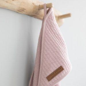 Prosop cu gluga roz